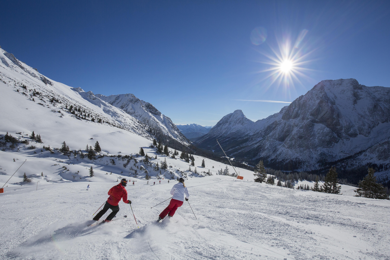 Familien Skigebiet Ehrwalder Almbahnen Tiroler Zugspitze